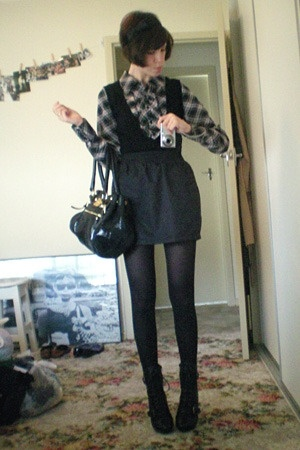 Tokito shirt - American Apparel skirt - Ugly Duckling shoes - D&amp;G purse - diva a