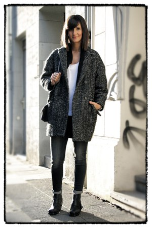 egg-shape coat Etoile isabel marant coat - rider boots acne boots