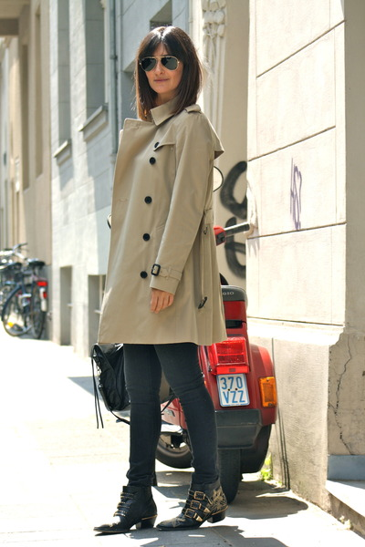 trench coat Burberry coat - studded boots Chloe boots