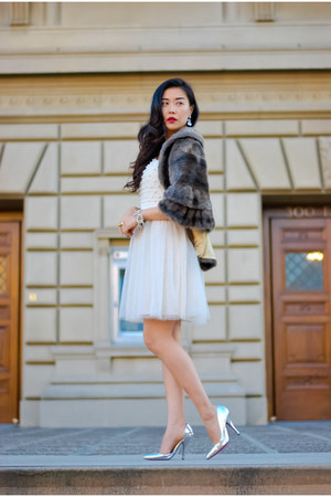 white tulle luluscom dress - dark brown fur vintage cape