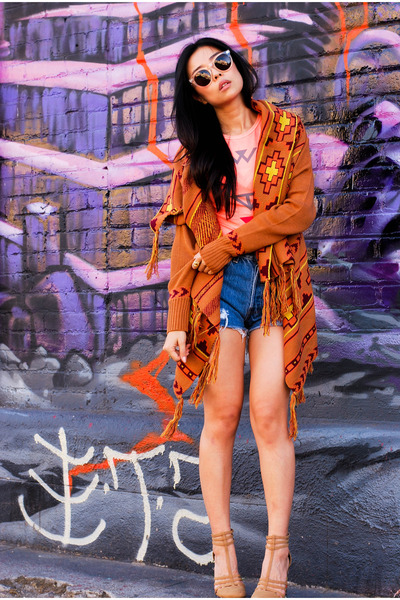 burnt orange lucca couture sweater - blue Levis shorts