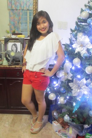 white blouse - red shorts - eggshell wedges