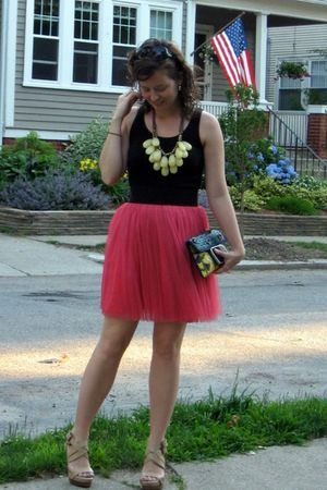 black Banana Republic retail days top - pink Forever 21 skirt - beige BCBG via D