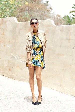 yellow thrifted vintage dress - tan Club Monaco jacket - black Dolce Vita pumps