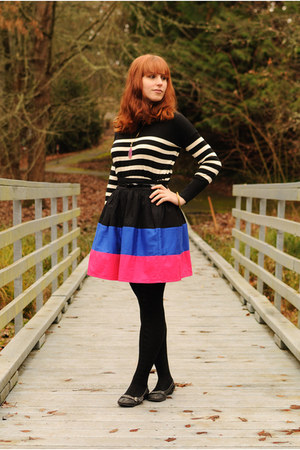 hot pink striped Forever 21 skirt - black striped Loft sweater - black flats