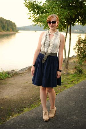 white ruffled blouse - navy skirt - beige wedges