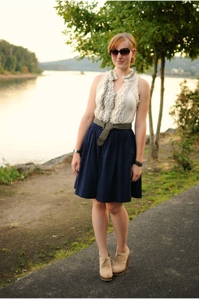 white ruffled blouse - navy skirt - beige wedges