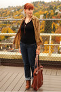 Light-brown-leopard-print-thrifted-cardigan-tawny-boots-navy-gap-jeans