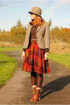 ruby red vintage skirt - tawny boots - light brown mens hat