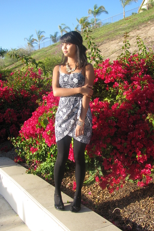 Forever21 dress - Forever 21 accessories - tights - Soffe shoes