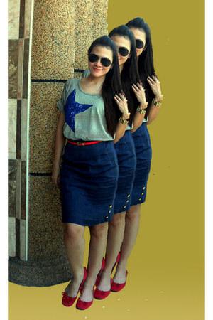 bangkok t-shirt - bowed soul mate flats - navy hi waist lucca skirt - belt
