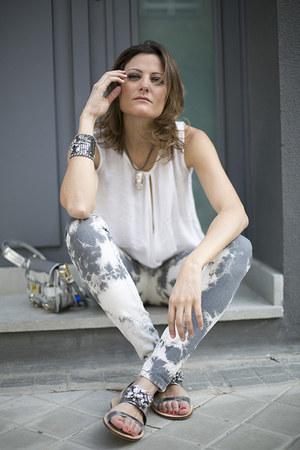 Zara bag - Maje jeans - hakei blouse - elena estaun necklace - Zara flats
