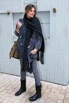 hakei coat - Zara scarf