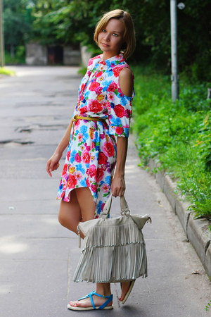 floral print asos dress - ivory fringe Mango bag - turquoise blue bronx flats