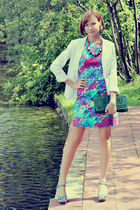 floral print Oasis dress - white reserved blazer - straw Topshop bag