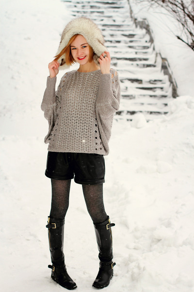 silver nowIStyle sweater - black Guess boots - black leather nowIStyle shorts