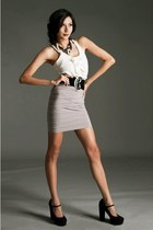 black mary janes Forever 21 shoes - heather gray body con karimadon skirt - whit