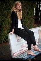 vintage blazer - go jane shoes - Aritzia shirt - vintage pants
