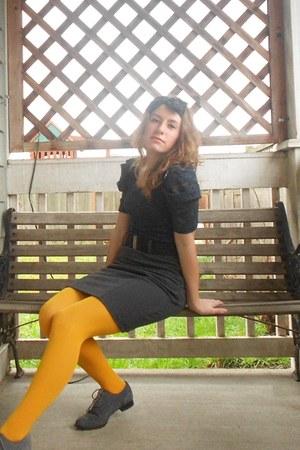 mustard tights - shoes - heather gray pencil skirt shirt - navy blouse