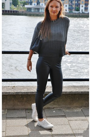 houndstooth Zara t-shirt - Chanel bag - two tone Urban Outfitters jumper