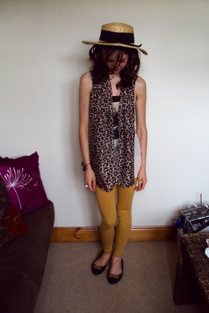 snake ring Miss Selfridge ring - Primark hat - mustard print Primark leggings
