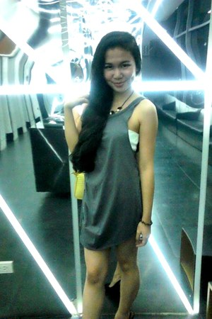 charcoal gray jersey Forever 21 dress - light yellow Celine bag - black heels