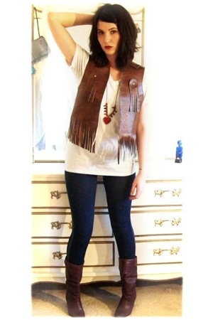 vintage vest - Hanes t-shirt - Rue 21 leggings - vintage boots