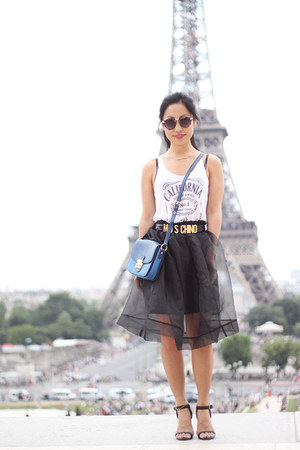 Boohoo skirt - Senso sandals - Moschino belt