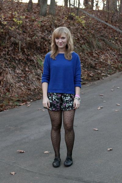magenta elle shorts - blue Zara sweater - black simply vera wang tights