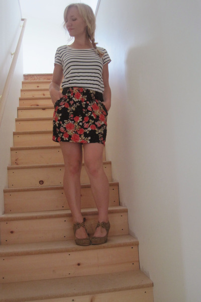 black H&amp;M shirt - red Forever21 skirt - beige Enza Nucci