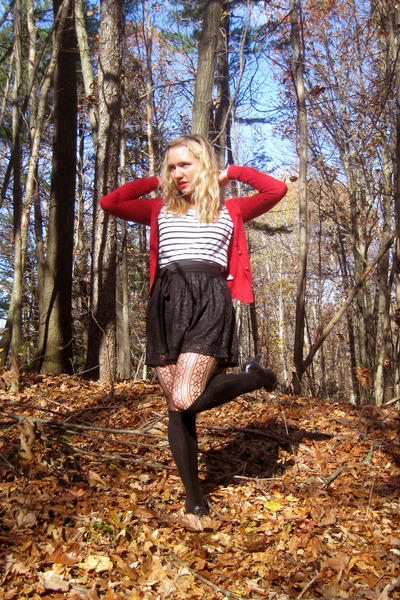 red Forever21 cardigan - black skirt - black H&M top - black boots - black Promo