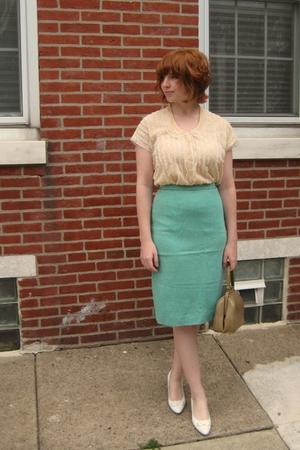 vintage blouse - vintage skirt - vintage shoes - vintage purse