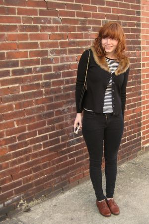 black vintage sweater - vintage top - black BDG jeans - brown vinage shoes - bla