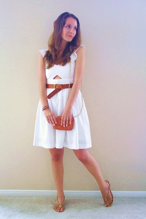 tawny snakeskin bag - ivory Vivat Veritas dress - camel sandals