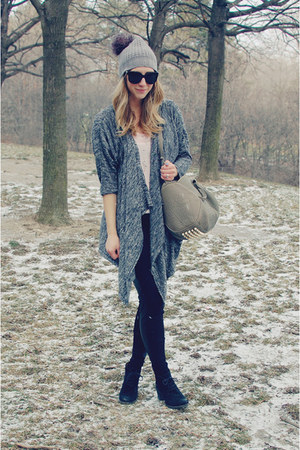 silver Indigo hat - black joe fresh style leggings - beige Alexander Wang bag
