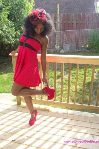 red zipper Sirens dress