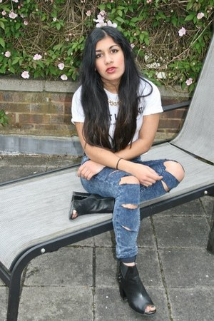 Urban Outfitters top - River Island boots - Topshop jeans