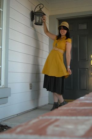 gold gizzy via Modcloth dress - gray vintage skirt - gray lifestride shoes - bei