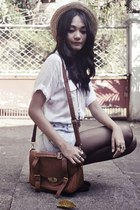 boater flea market hat - shirt - messenger bag - diy bleached shorts - love conn