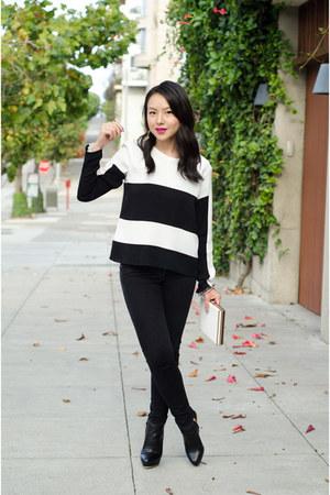 statement jeweliq earrings - skinny jeans Gap jeans - color block Zara top