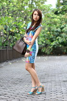 digiprint two zero dress - brown Louis Vuitton bag - blue Fioni wedges