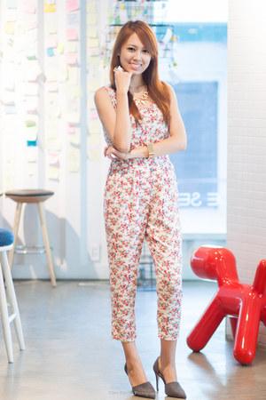 floral LCC bodysuit - gray Zara heels