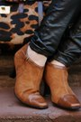 Brown-aerosoles-boots-heather-gray-zara-coat-black-leather-david-kahn-jeans