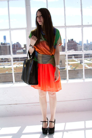 coral H&M dress - orange Hussein Chalayan for PUMA shirt - black r&em bag