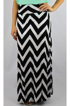 Chevron Striped Maxi Skirt - Black/White