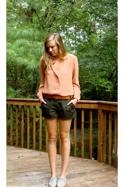 pink vintage 70s blouse - green JCrew shorts - brown H&M belt - gray Steve Madde