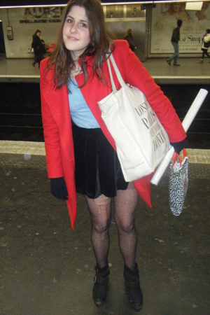 red united colors of benetton coat - blue H&M dress - black alice in the eve ski