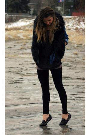 black faux fur jack vest - black metal spikes UNIF loafers - blue denim H&M top