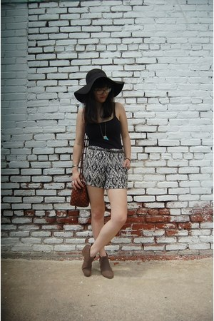 black H&M hat - light brown ankle TJ Maxx boots