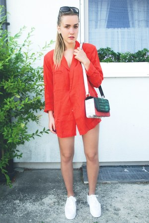 red H&M blazer - olive green H&M bag - black Urban Outfitters sunglasses
